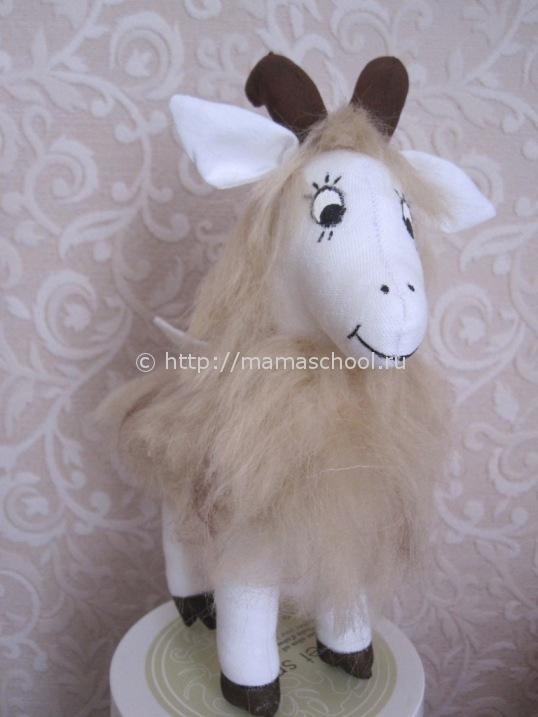 Игрушка коза символ 2015 года